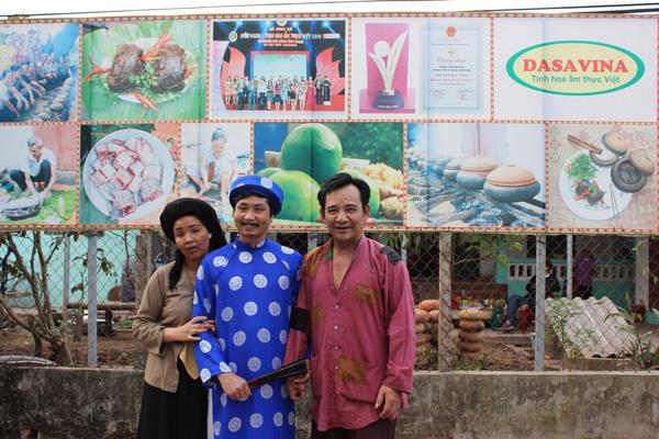 Bộ ba Chí Phèo, Thị Nở, Bá Kiến trong bộ phim hài Bu nó đi tây