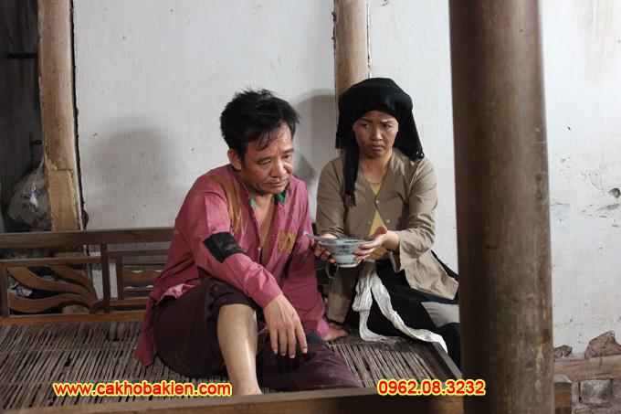 Chí Phèo Quang Tèo bị ốm nhưng không chịu ăn Cháo Hành do Thị Nở nấu