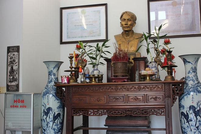 Du khách sẽ được thắp hương tưởng niệm cố nhà văn Nam Cao