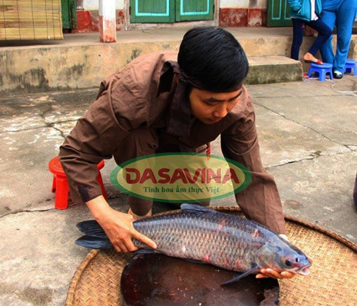 Cá đem kho là cá trắm đen nuôi hoàn toàn bằng ốc