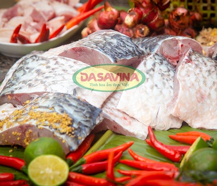 Cá đem kho là cá trắm đen từ 3 - 5 kg, nuôi hoàn toàn bằng ốc