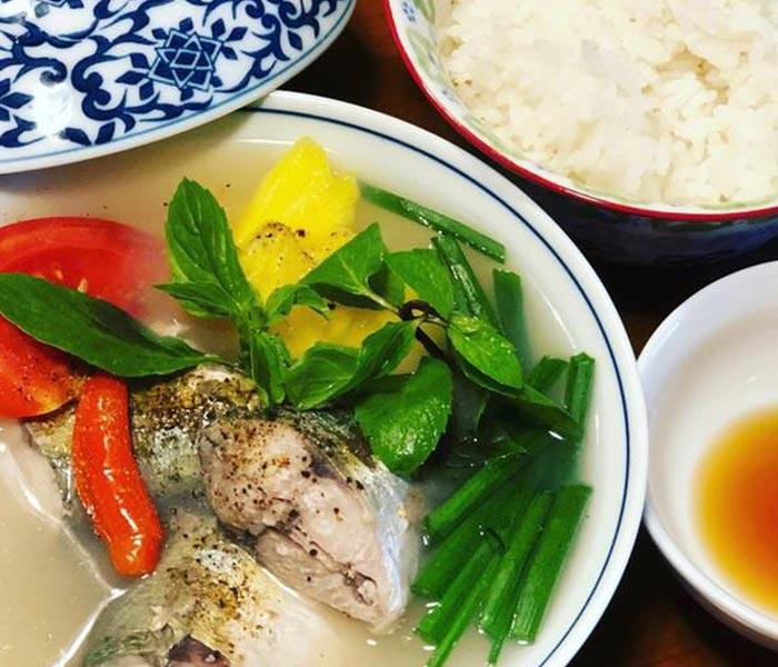 Cá bạc má nấu canh chua vô cùng đưa cơm