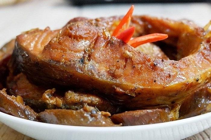Nguyên liệu làm món cá kho đã quá quen thuộc với người Việt
