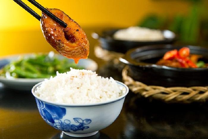 Cá chép là món ăn rất tốn cơm