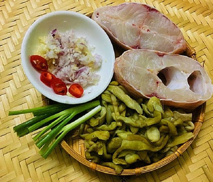 Một số nguyên liệu cơ bản cho món cá trắm kho dưa chua ngon đúng điệu